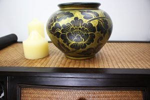 20cm Hand Painted Pottery Gold With Antique Black Flower And Leaf Design
