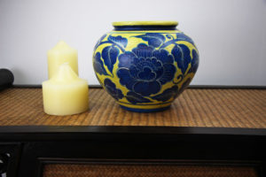 20cm Hand Painted Pottery Gold With Blue Flower And Leaf Design