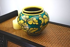 20cm Hand Painted Pottery Green With Gold Flower And Leaf Design Incudes A Lid