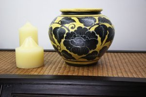 20cm Hand Painted Pottery Rich Gold With Black Flower And Leaf Design