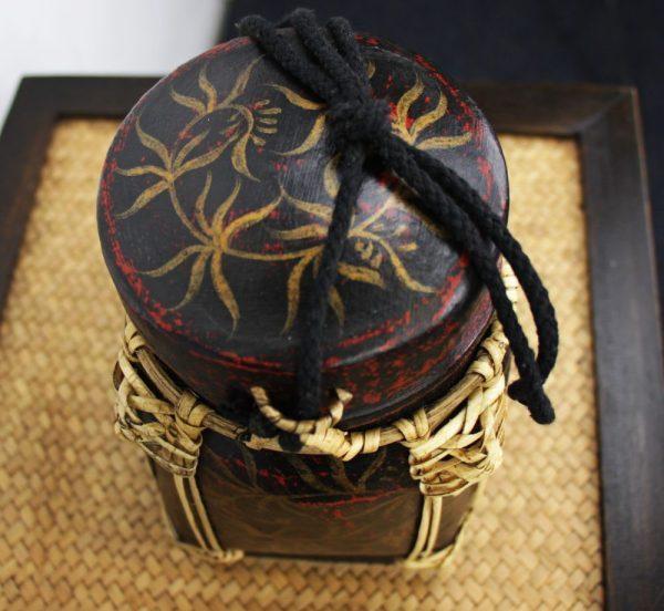 22cm Rice Basket Black & Red Antique with Gold Leaf
