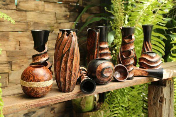 30cm Mangowood Vase Circled With Twine Design