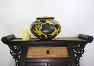 32cm Hand Painted Pottery Gold With Black Flower And Leaf Design