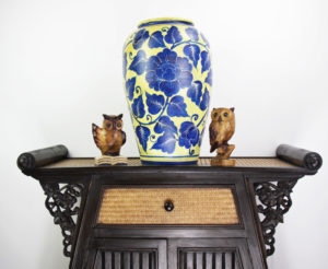 47cm Hand Painted Pottery Gold With Blue Flower And Leaf Design