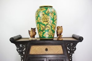 47cm Hand Painted Pottery Green With Gold Flower And Leaf Design